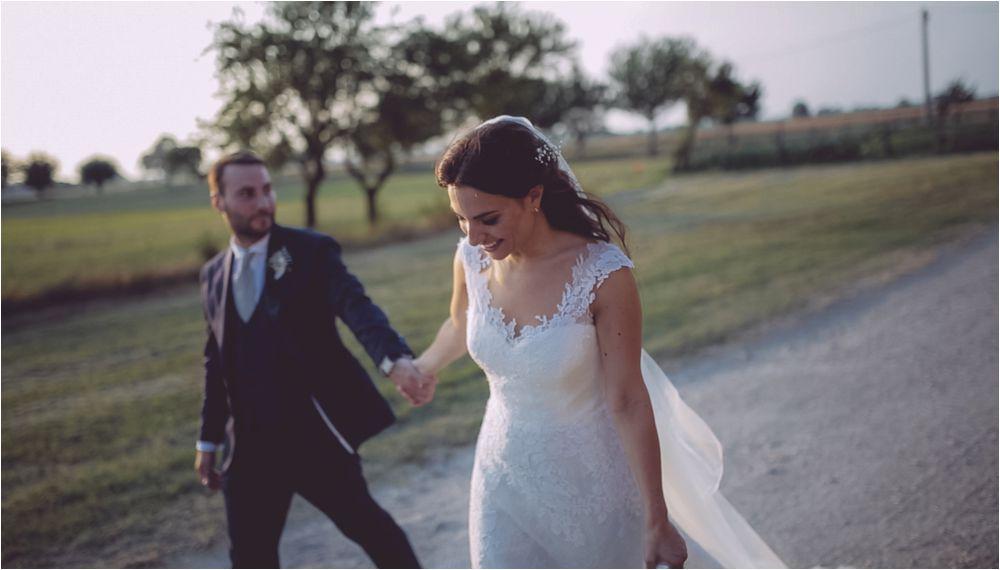 https://www.whitememories.it/wp-content/uploads/2017/08/reportage-matrimonio-storytelling-foto-non-in-posa-1.jpg